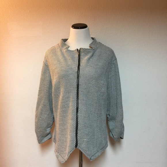 0ffe7b158a7 Torrid Plus Size 4 (3X)Black White Zipper Jacket